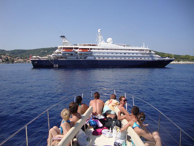 Trident Speedboat Private Cruises